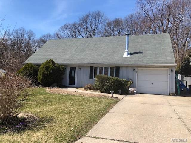 3 bedroom 1 bath cape located in a Great neighborhood. Has a Eik den living room formal dining room laundry room and a 1 car attached garage. Great opportunity.
