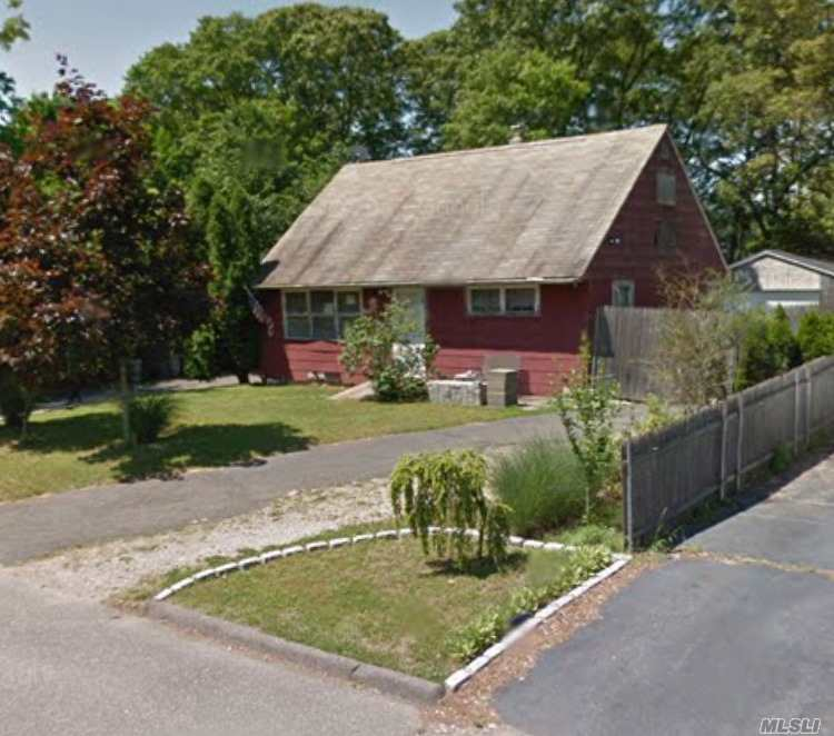 Contract vendee. As is sale. Cash offers only. Great two story home in need of some TLC. Excellent opportunity for flipper/investor, fixer upper or handyman special.