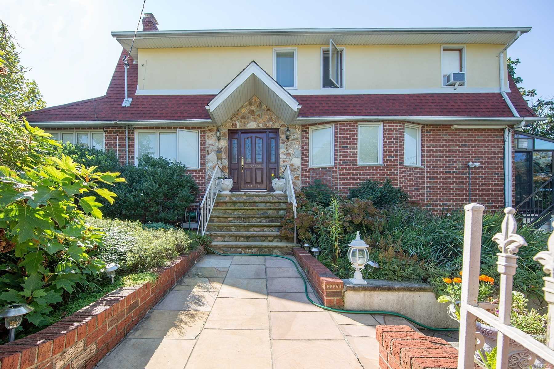 Legal 2 Family, 5Bedroom 4Bath, Modern Gourmet Kitchen With Samsung/Ge Appliances, Enjoy The Sauna With Personal Bath, 2 Fireplaces, Wine Refrig, 3 Car Driveway, Bbq Patio , And A Beautiful Glass Enclosed Relaxing Deck 19 Ft X 11 Ft , Separate Entrance For The Apartment. Walking Distance To Food Establishment And Supermarket, Close To Bus Station And More!