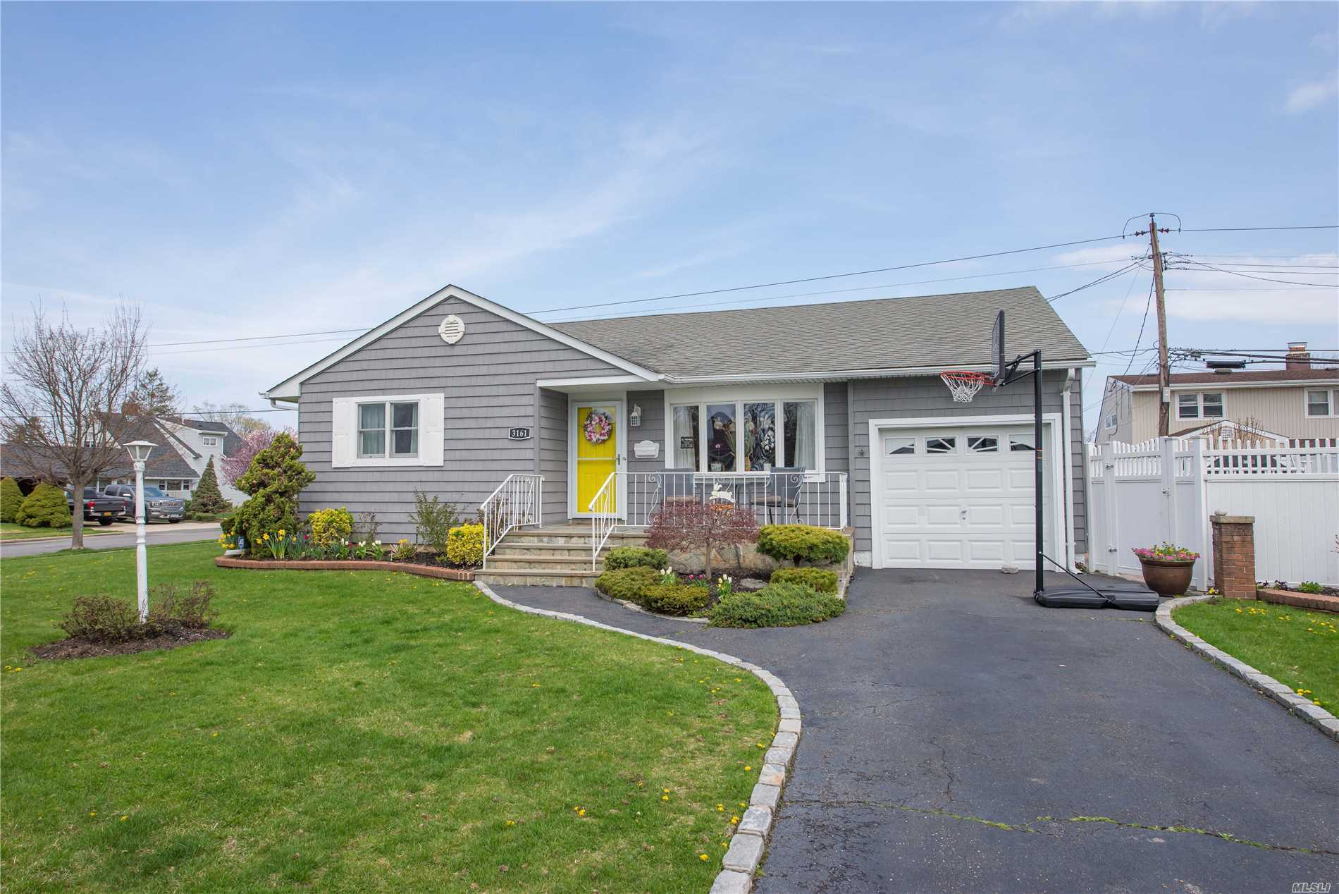 This Beautifully Remolded Expanded Ranch Features Tons Of Updates, Including A New Bathroom, Crown Moldings, New Windows, New Slider And Front Refacing. Plenty Of Storage And Room To Entertain, Plus A Finished Basement With Den, Playroom/Exercise Room. Move Right In.