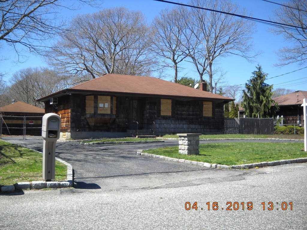 Here's a three bedroom ranch with a lot of possibilities.Main house is three bedrooms, one and a half baths, rear deck, full finished basement, circular driveway, and a detached garage. Large Lot. Plus there is a pool house in the back by the pool. The in-ground pool will need to be replaced. Great opportunity for any buyer!