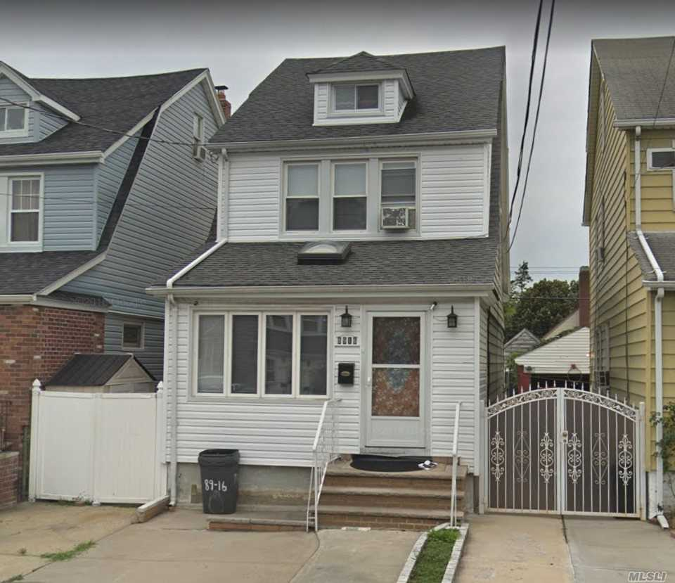 Whole House Rental Conveniently Located Close To All Amenities. 4 Bedrooms And 2 1/2 Baths, Hard Wood Floor, Excellent Condition. Just Minutes From Hillside Avenue, Grand Central Pkwy & Clearview Expy. Transportation (Q1, Q27, Q43, Q88). Q1 & Q43