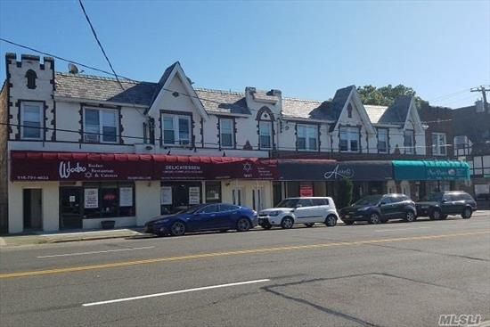 Beautiful 1920'S Tudo Style Building Heat, Hot Water & Cooking Gas Incl.Tuscany Style Kitchens W/ Dishwasher & Microwave.Granite Bath w/ Frameless Shower Doors.Central Air-Conditioned.City-Style, close to Lirr, Great Walk Score near all!
