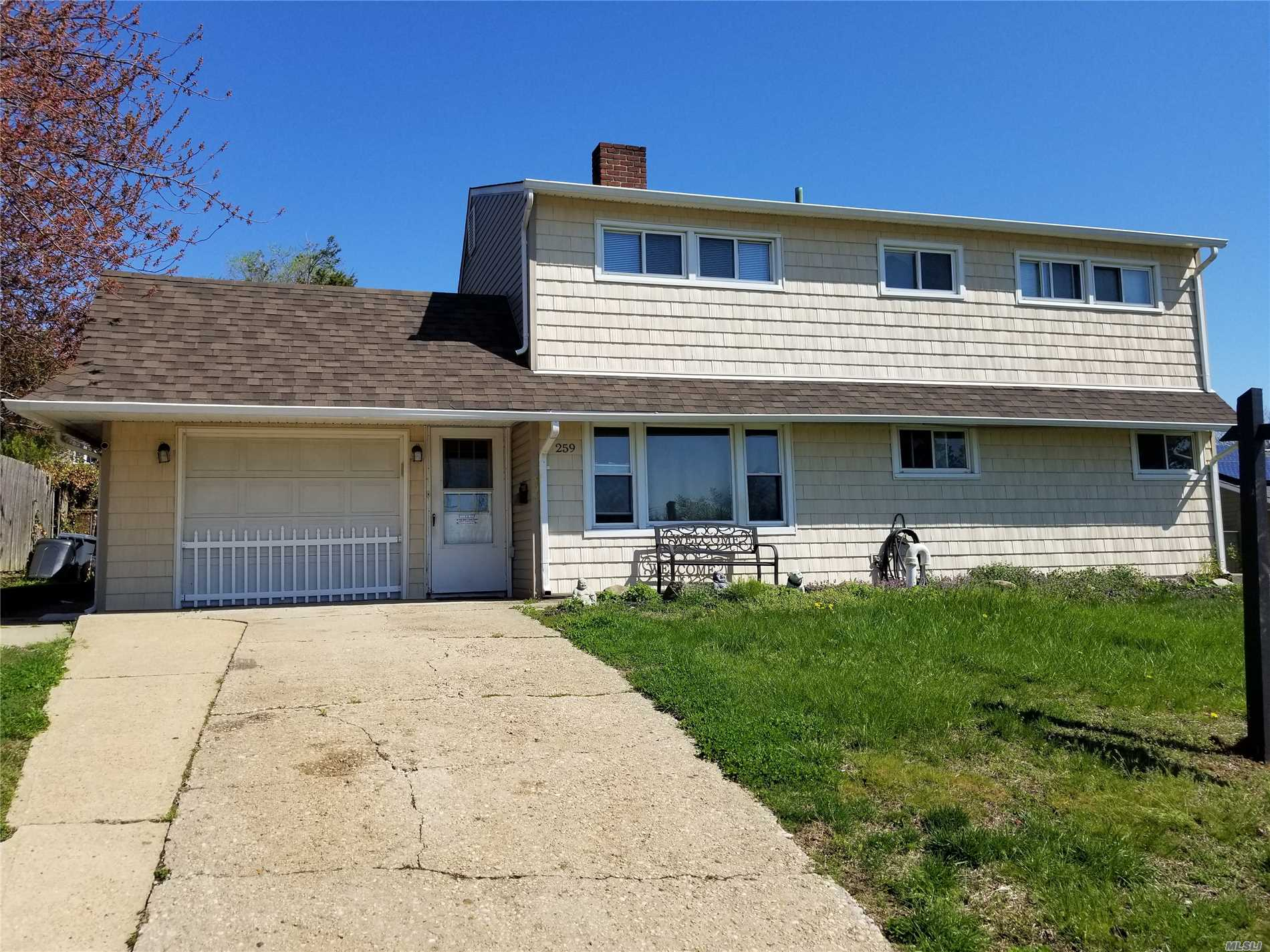 THIS HOME IN MID BLOCK LOCATION IS BEING SOLD AS IS WITH NO REPRESENTATION WHATSOEVER!!.PERFECT FOR CONTRACTOR, HANDYMAN, BUILDER /INVESTOR.NEW ARCH.ROOF AND CEDAR IMPRESSIONS IN THE FRONT.ABOVE GROUND OIL TANK.LOW TAXES!!