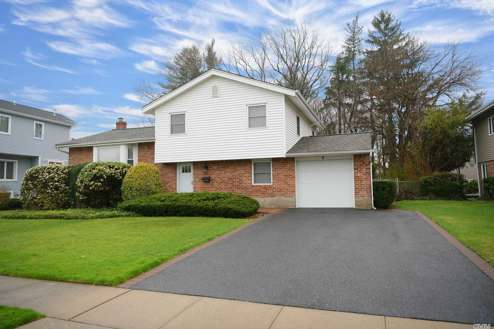 Move Right In! Everything in this house was redone in the past 5 years! Kitchen, baths, roof, driveway, boiler.. ask and it was done. Award winning Jericho School District- This is the house you've been waiting for! #jerichoschools
