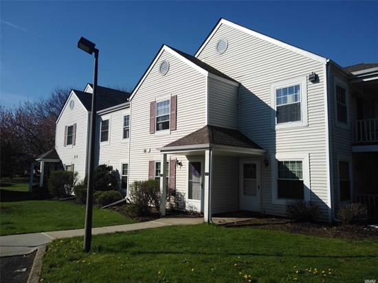 2 Bedroom 1.5 bath 2nd floor condo with Balcony Large Bed rooms!!