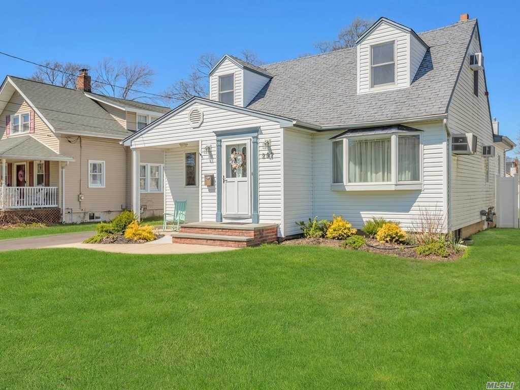 Cape Cod In Parkwood Area With Great Curb Appeal In A Great Residential Area. This Home Has Radiant Heat In Kitchen, 3 Zone Heat, Furnace & Sep H/W Heater Less Than 2 Years Old.