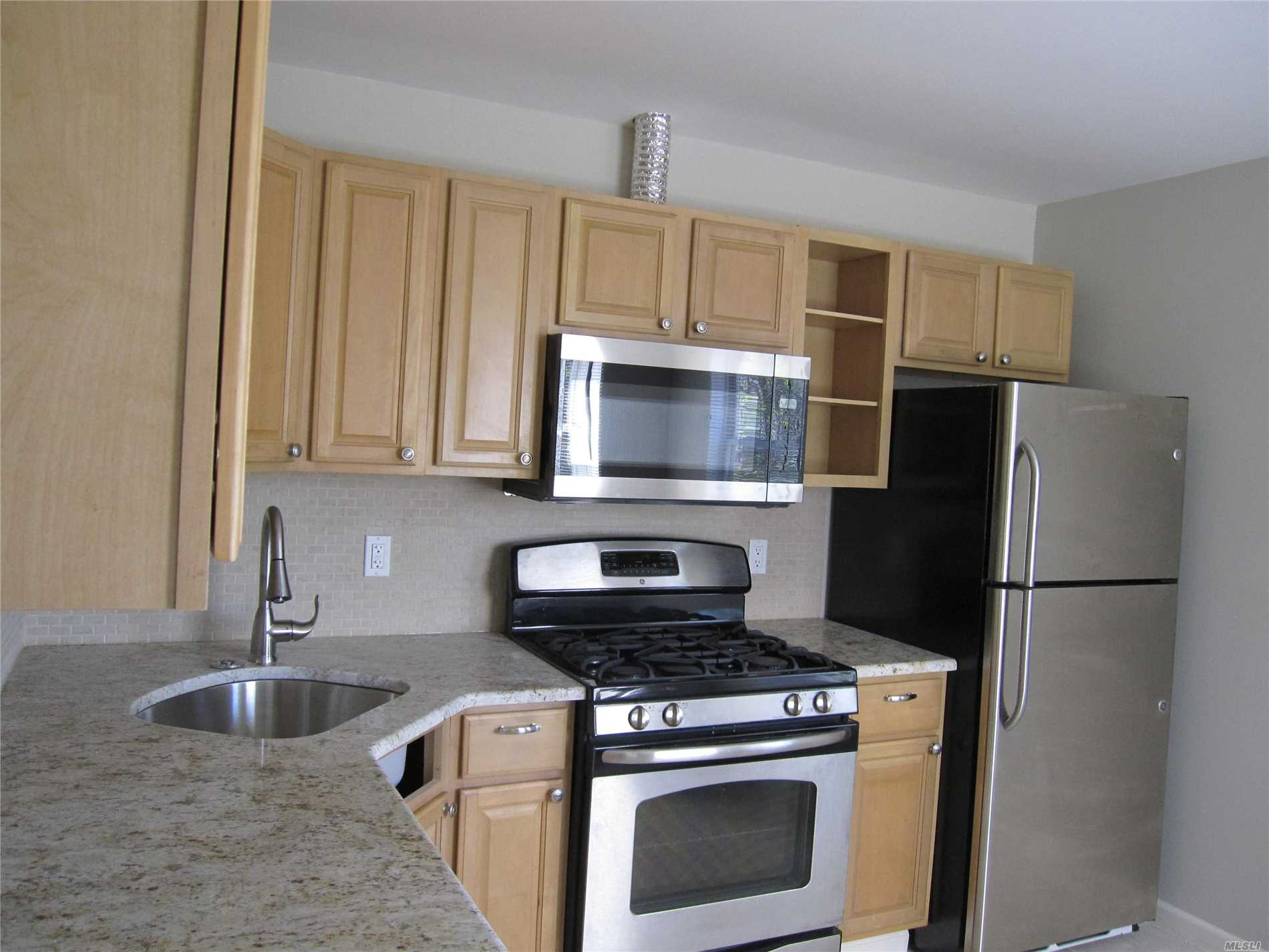 Lovely updated 1 bedroom apartment with stainless appliances and granite counters, New full bathroom with tub. Sunny Second Floor location. 20 minutes to SUNY Stony Brook on cul de sac. Tenant must apply online thru NTN (National Tenant Network)and pay 35.00 application fee... http://secure.ntnonline.com/applicant