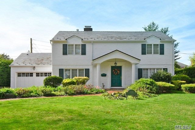 Move Right Into This Stunning, Totally Renovated, Strathmore Vanderbilt CH Colonial. Features Inc: First Fl Top Of The Line Custom Designed Gourmet EIK/Breakfast Rm/ Vaulted Ceiling, Adjoining Family Rm With Gas Fplc, Full Bth, Formal DR, LR/Wood Burning Fpl. 2nd Fl: Master Suite/A Wall Of Custom Built-In-Closets, Full Bath, 2 Addl Bdrms and 1 Hallway Bth. Full Exp Basement. Pvt Professionally Landscaped Prop. Conven Located To Shopping and Transp. Award Winning Manhasset Schools.