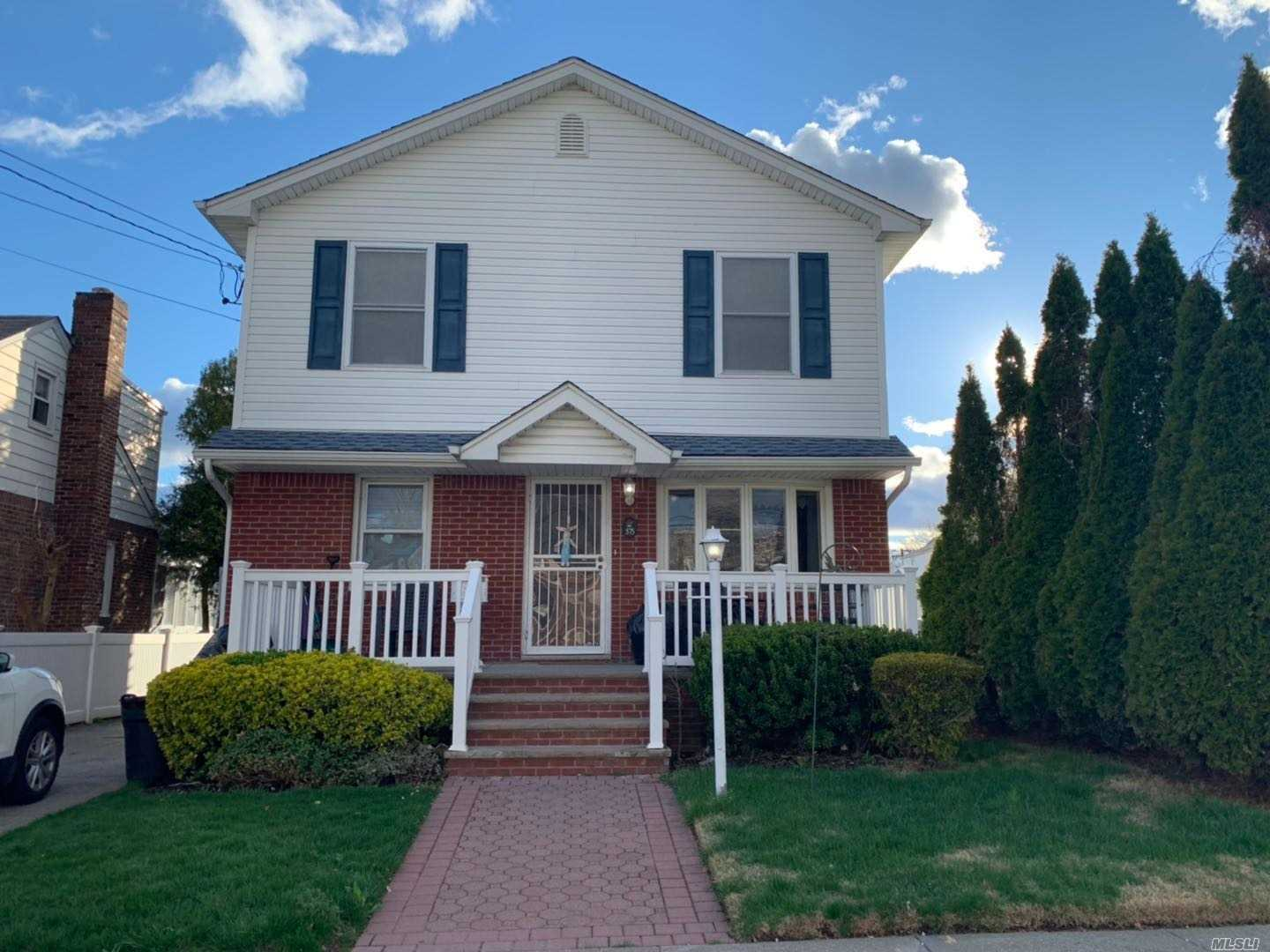 Updated Colonial House at New Hyde Park with 5 bedroom, living room, formal dining room, kitchen, 2 full bathrooms, 1 half bath, full finished basement, fancied yard, School Dic #5, convenient to all transportation, close to LIRR, nice pool and deck at the back yard.