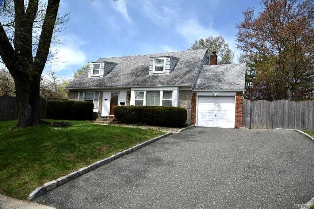 Here's Your Chance to Own in Prestigious Seton Hills/Old Bethpage-Spacious 5 Bedroom-2.5 Bath Cape-Updates Include Newer Heating System-Roof-Bath & Gleaming Hardwood Floors-Light & Bright-Near Renowned Golf Course/Shopping/ All in Plainview/Old Bethpage Schools-On Private Side of Haypath Road-Must See!