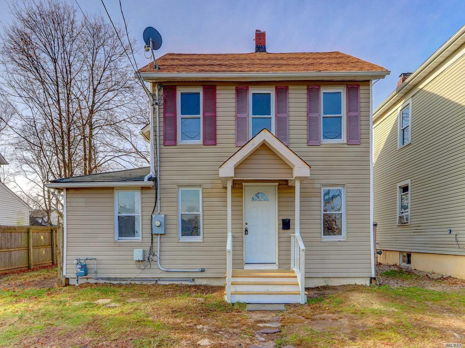 Beautifully Updated Home In The Heart Of Bay Shore. Brand New Kitchen With All Modern Touches, New Flooring, And Freshly Painted. Close To Lirr, Southside Hospital, And All Schools.