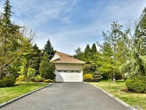 **BY APPOINTMENT ONLY**Rare Free Standing Master on Main In The Links a Luxury 24/7 Gated Community on the North Shore of Long Island, Beautiful EIK with Premium Stainless Appl. Oversized Breakfast Room with Gas Fireplace, Formal Banquet Sized Dining Rm, Large Living Rm. w Gas Fireplace, Master Suite w 2 WIC. w Jacuzzi Bath, 2nd Fl.2oversized Brs, 2Baths, 25miles NYC. Near Shopping, Hospitals, Restaurants, Universities, Free Shuttle to Manhasset LIRR