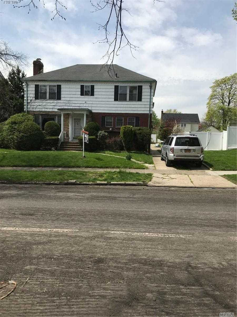 Great House. Everything nearby. 10 rooms, 4 bedrooms, 4 full bathrooms, Formal Dining room,  Eat-In Kitchen, Backyard Access,