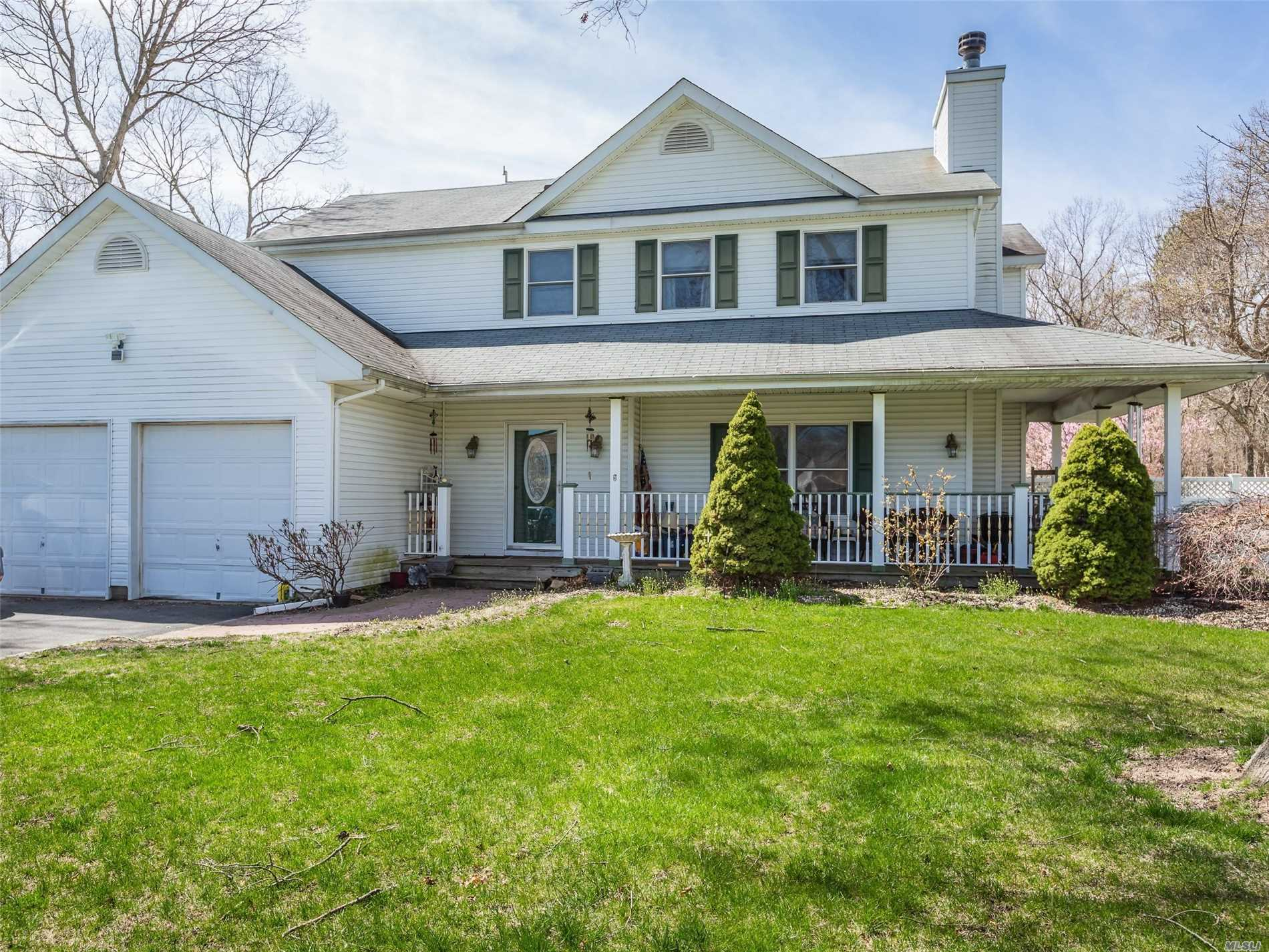 Move Right Into This 2 Story, 2252 Square Foot Home! Big Beautiful Home Positioned On Over 1 Acre of Land.  New Floors on First Floor, New Quartz Counter Top, New Stove and Refrigerator w/ Warranty, New Pool Put In 2018! Many More Updates, Come and See!