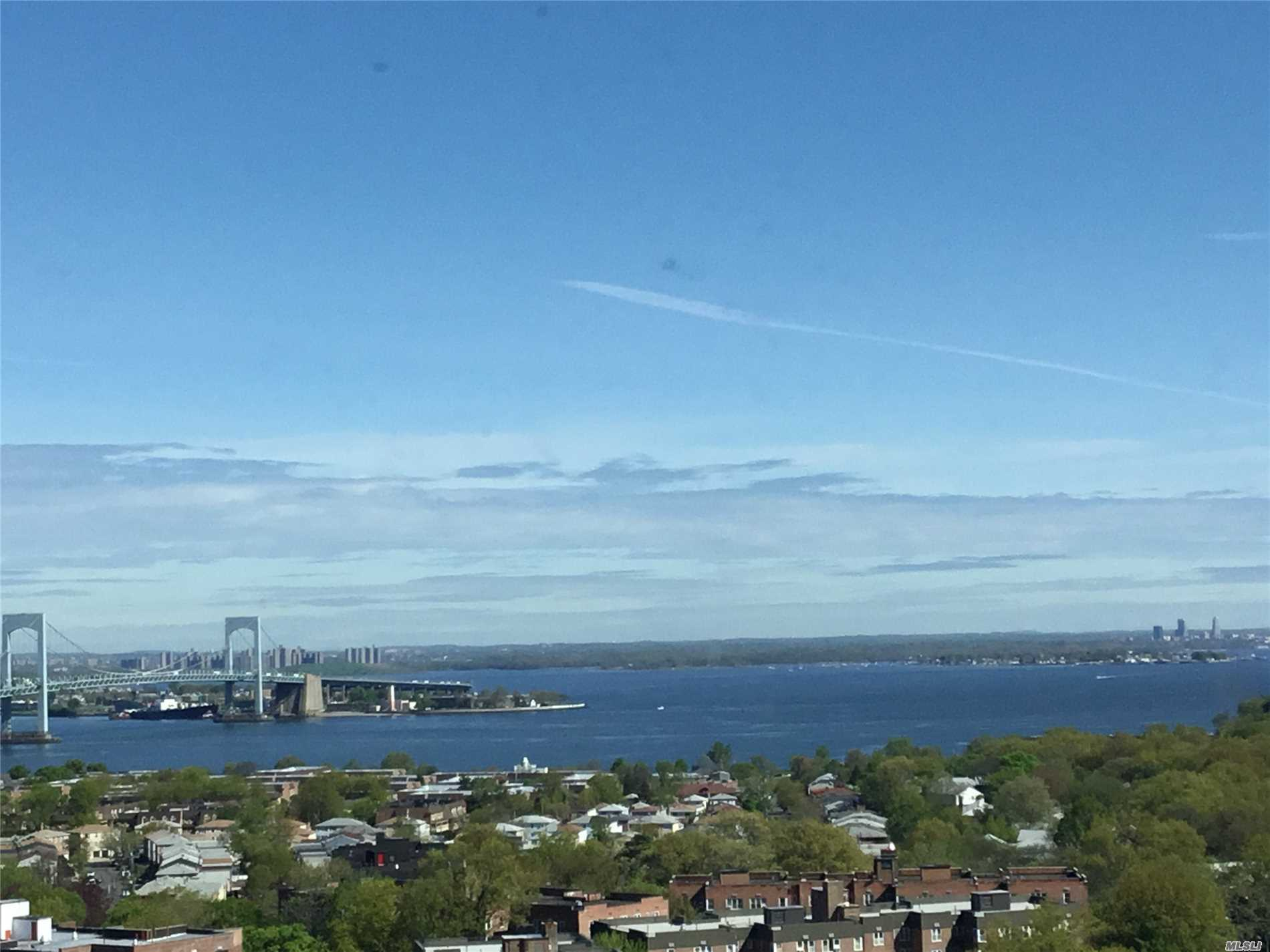 Best Views... Water/Bridge views all rooms.....Priced to Sell !.....RARELY ON MARKET--Most Sought After-- H Line---- Deluxe Large 2 Bd Rm- 2 Bath-- Lots Closets- -Mstr BR 8 x8 Walk In--CUSTOM Wood Floors--All Amenities, gated,  year round health/fitness center; shopping arcade; restaurant on premises;deli;beauty salon;dry cleaners;tennis courts; heated/domed pool plus so much more a must see. Walk Bus and Shopping ... VIEWS VIEWS VIEWS