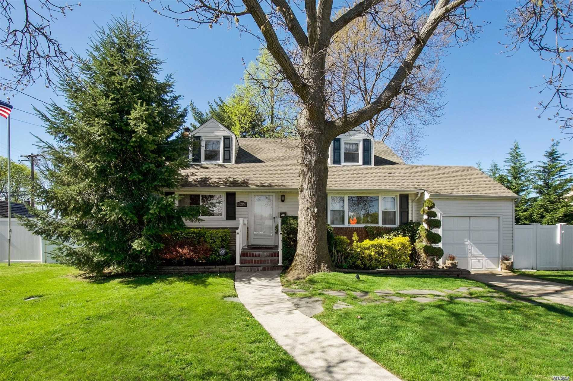 Don't Miss This Lovely Maintained Cape In Sunset City -This Beautiful 3 Bedroom Home features a Living Room, Dining Room, Eat In Kitchen, Den, 2 Full Baths, Large Fully Finished Basement w/Bar, Theater & Play Area, This Large Fully Fenced Property has an oversized Paver Patio & is truly an Entertainers Delight!! Amenities include New Roof, New Appliances, 150 Amp Elec, Natural Gas, Hardwood Floors Throughout and more - Just Unpack & Move In...