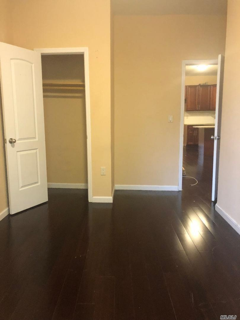 Fully renovated 4 bedrooms, 2 full bathrooms, big kitchen, living room. Close to transportation buses and train 7. Supermarket, restaurants, laundry and more.