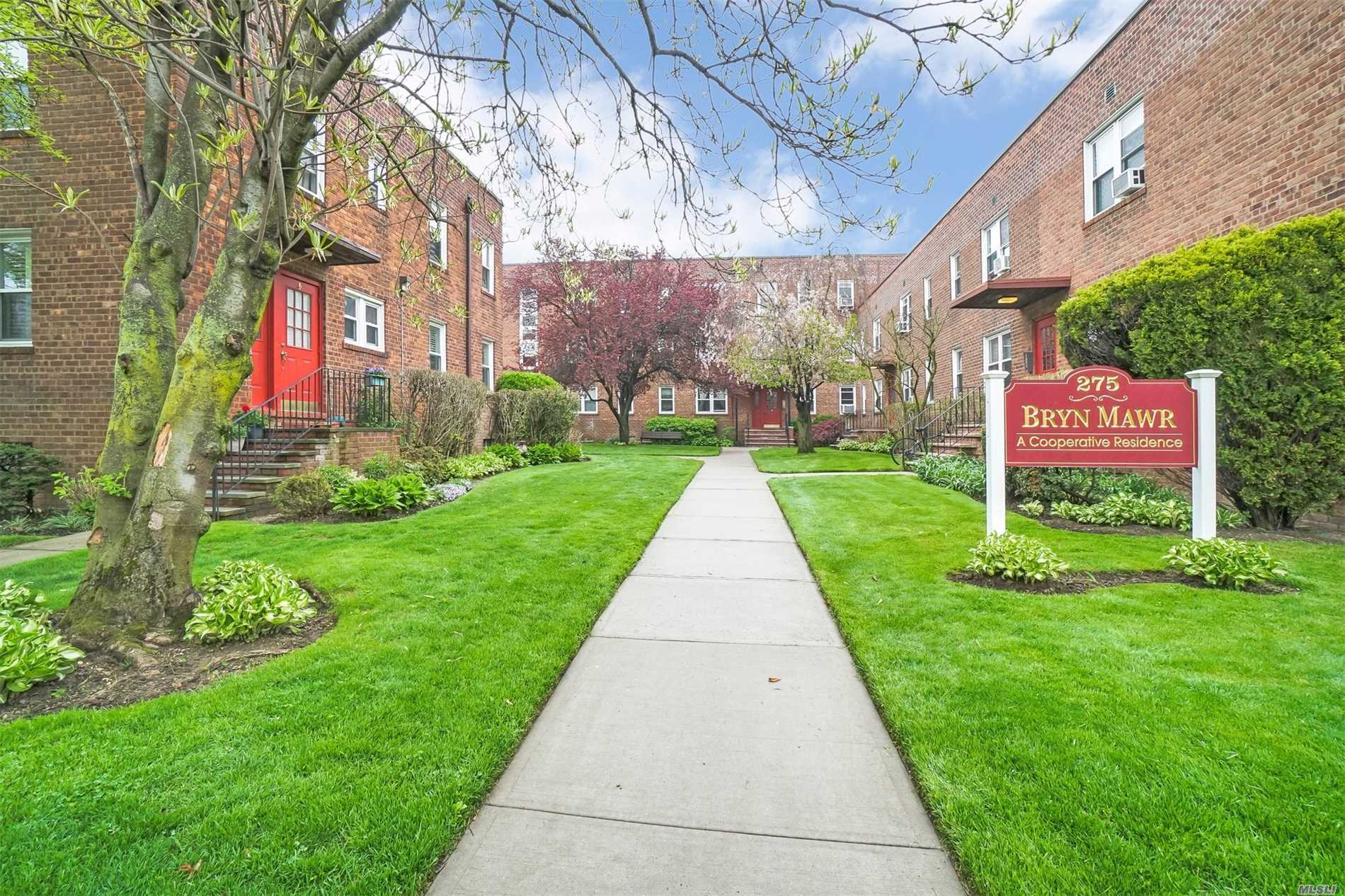 Warm & Welcoming One Bedroom Unit in the Bryn Mawr Complex.  This Unit Overlooks A Beautiful Courtyard. Brand New Kitchen with Soft Close Cabinetry. Hardwood Floors Throughout. Plenty of Closet Space For Storage. Laundry Room on the Grounds. Hunter Douglas Window Treatments Will Be Left.