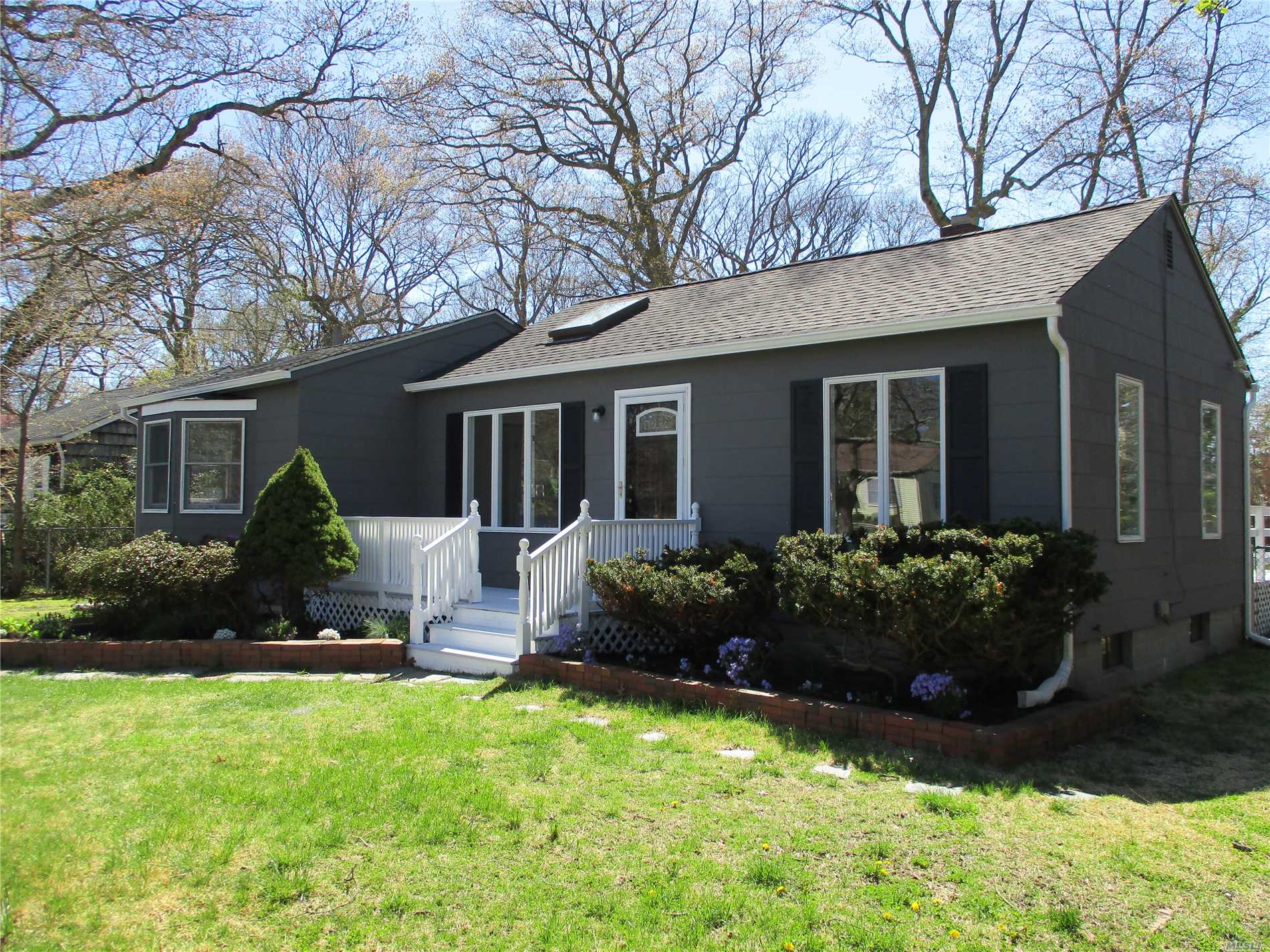 This is a Fannie Mae HomePath Property. Completely renovated adorable 2 bedroom ranch on deep lot in Bellport Village. Sun drenched EIK with new cabinets, counter top, and appliances. LR/DR combo with refinished wood floors and 1 newly renovated full bath. New carpet in bedrooms and new paint though out. Rear deck for entertaining. Full unfinished basement. Village amenities include private bay beach, marina, golf course, tennis and ferry to ocean beach.