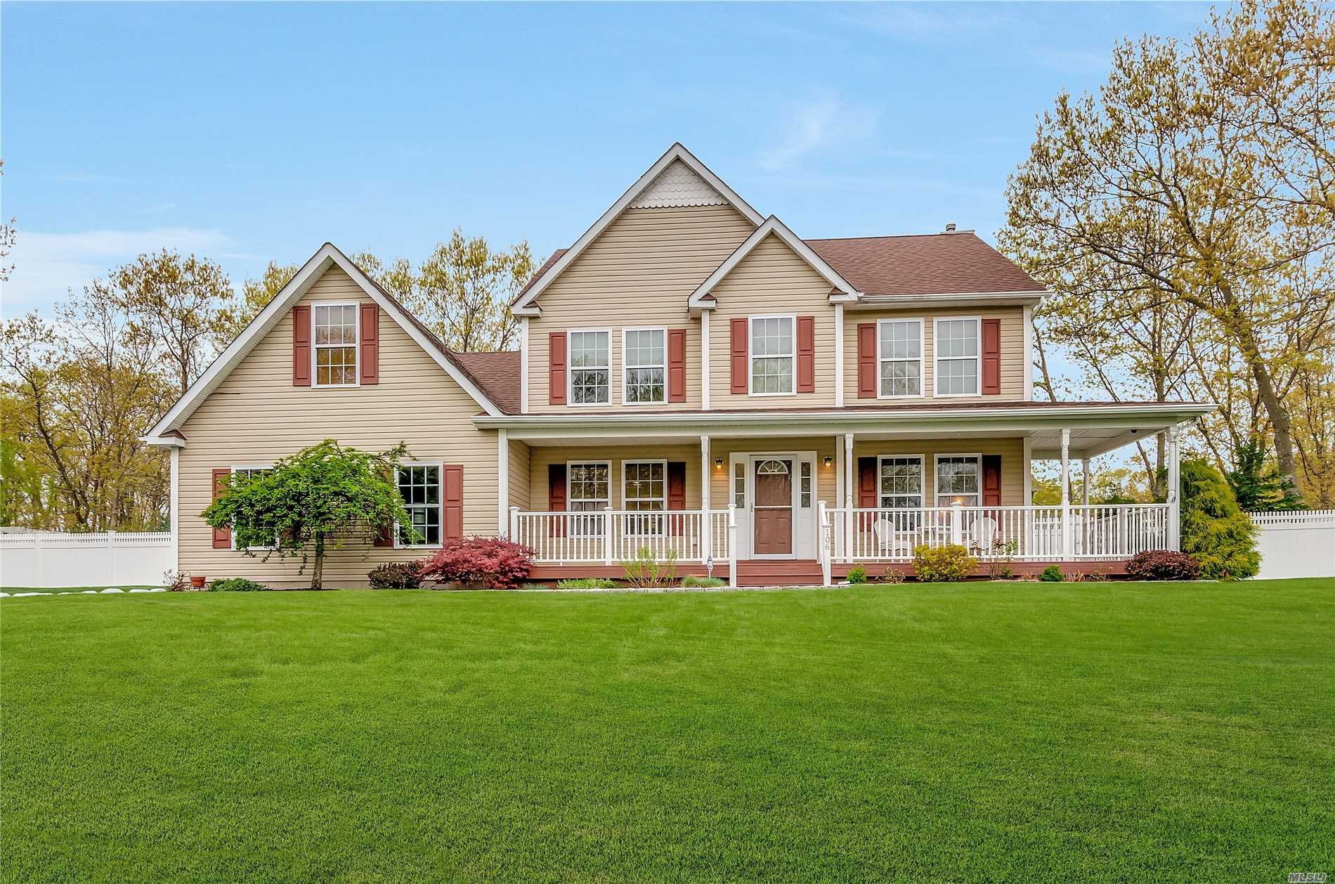 STUNNING VICTORIAN HOME WITH ROCKING CHAIR PORCH ! FEATURES NEW KITCHEN W/GRANITE COUNTERS-OVERHEAD COLORED CABINET LIGHTING.OAK FLOORS THRU OUT, GAS FPLCE, CERAMIC TILE, CAC,  OWNED OUTRIGHT SOLAR PANELS, VINYL FULLY FENCED YARD. CUL DE SAC SETTING. THIS HOME IS PERFECTION! MILLER PLACE SD