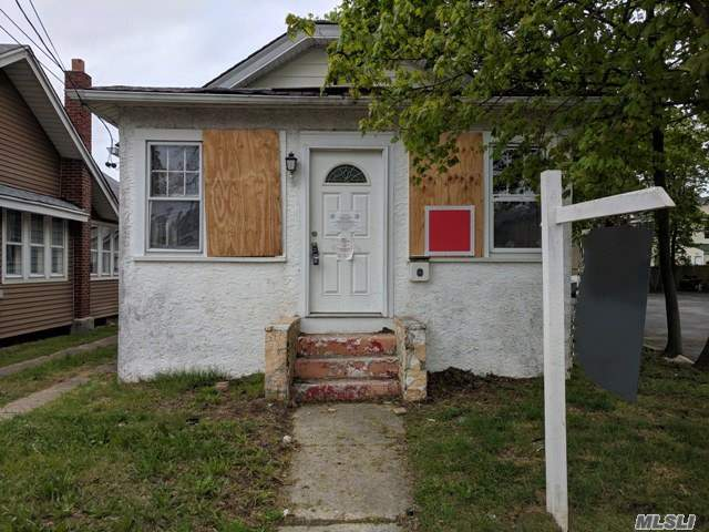 Great Opportunity To Own Or Invest In Oceanside! Come See This Blank Canvas Just Waiting For Your Tlc. Located On A Quiet Block With Ample Storage In The Basement And Attic. Close To Shopping, Dining, And More! Don't Miss This One!