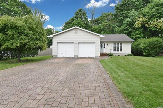 Gorgeous, Updated Ranch. Spacious Open Concept Kitchen. S/s Appliances.  Park-Like Yard with Professional Putting Green and Chipping mat too! Large Entertaining Trex Deck. Closets galore, 1 mile to Beaches Tree lined Dead End St., Gas Decorative Stove and Gas BBQ. Bring your putting iron!