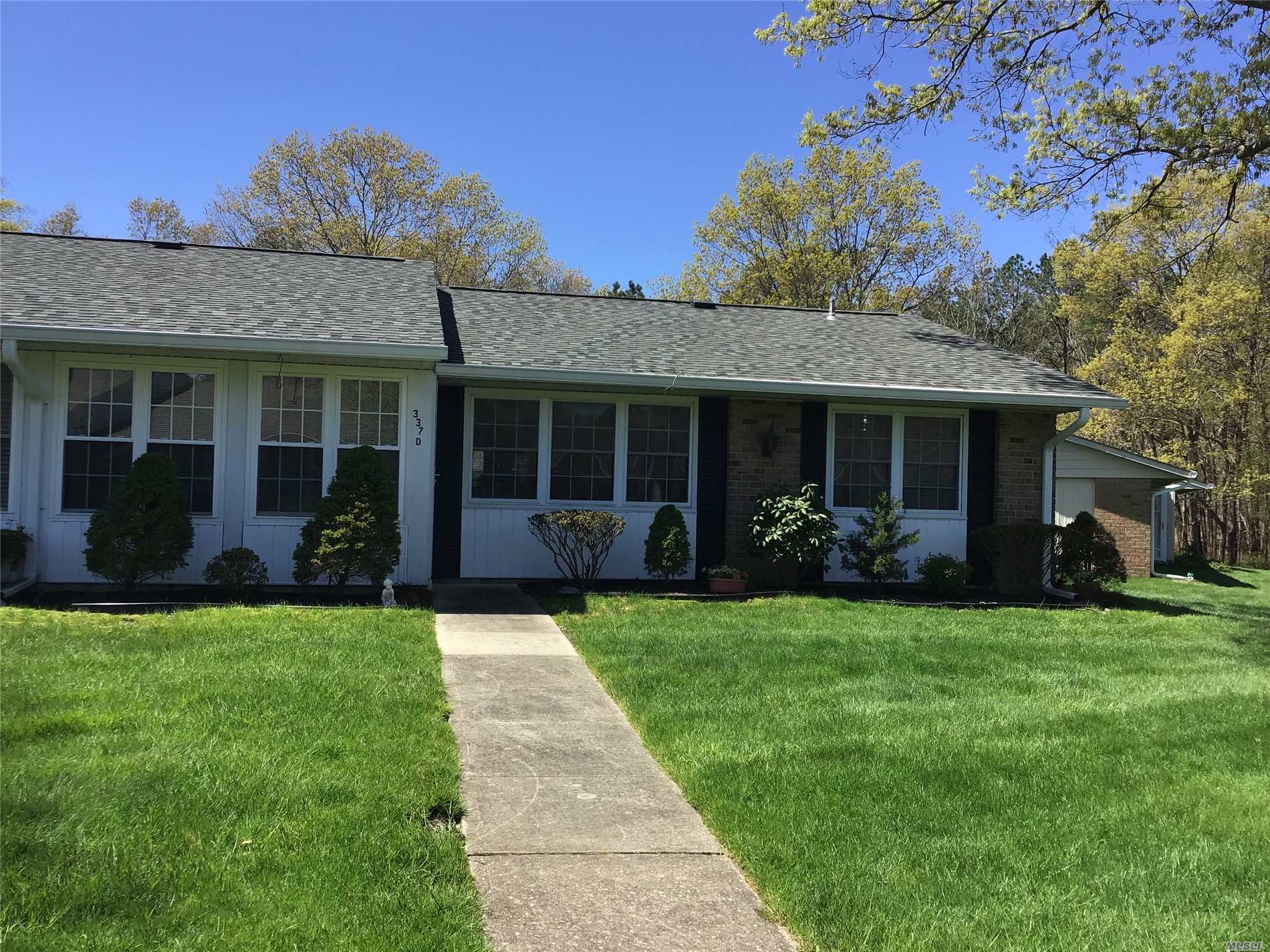 Charming Updated End Unit in Leisure Village. With Eat in Kitchen, wood cabinets and white on white appliances. Update bathroom with sky light. Newer windows and garage door. Community features active clubhouse, golf, pool, and so much more! 1 pet permitted.