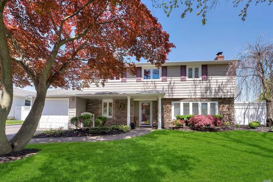 Split-level in Well Respected Commack SD, Entertiners Delight. Open Spacious Floor Plan, 4 Season Room Overlooking In-Ground Pool, Comfortable Fire Pit with Pavers. Bamboo Teak & Wood Floors. This Property is Immaculate. Taxes Being Grieved