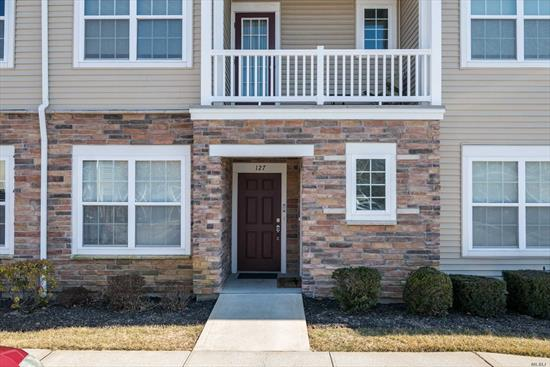 Interior location; parking at your door. Open & Bright layout. Granite SS Kitchen with Roomy Eating or Home Office Space. Dining Rm, Living Room w/sliders to Patio. Master Suite (WIC;Bath) 2nd Bdrm. Full Bath (tub). Huge, hi-ceiling, insulated basement.