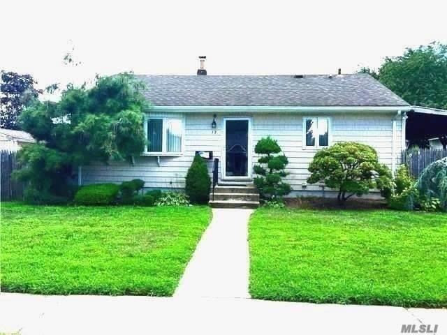 Whole House Rental In Bethpage School District. Beautiful Ranch With Open Floor Plan Featuring 3 Bedrooms, Full Bath, Eat In Kitchen, Full Finished Basement With Bath. Hardwood Floors Thruout, Gas Heat & Cooking. Convenient To All.