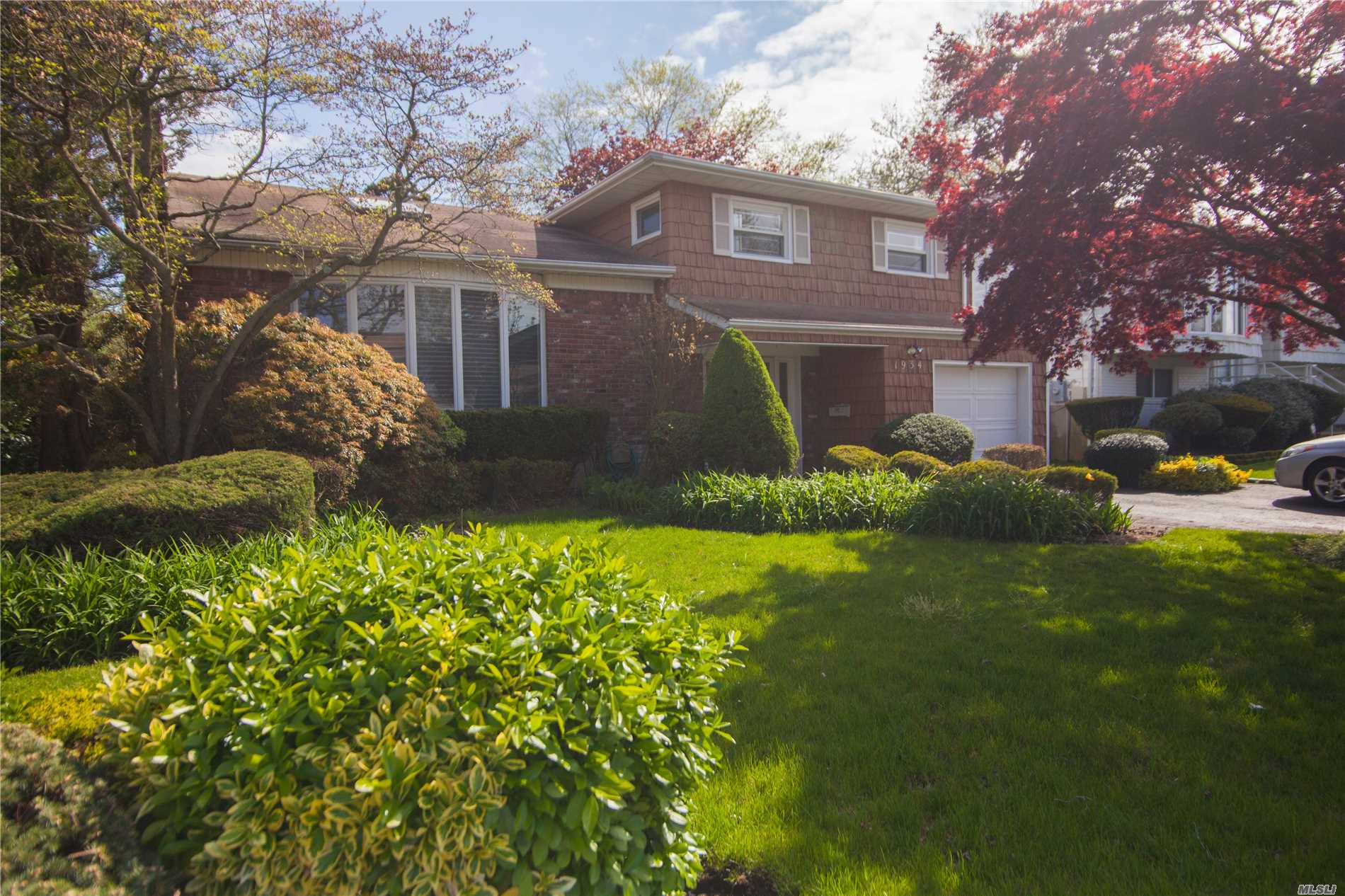 Location, location, location! Move right into this Prime south Merrick split (not in flood zone). Features open concept main level w/ hardwood floors, super bright, CAC, large 4 BR, 3 Bath w/ closets galore! Quiet mid-block, private yard, too much to list! Make this yours for the summer season!