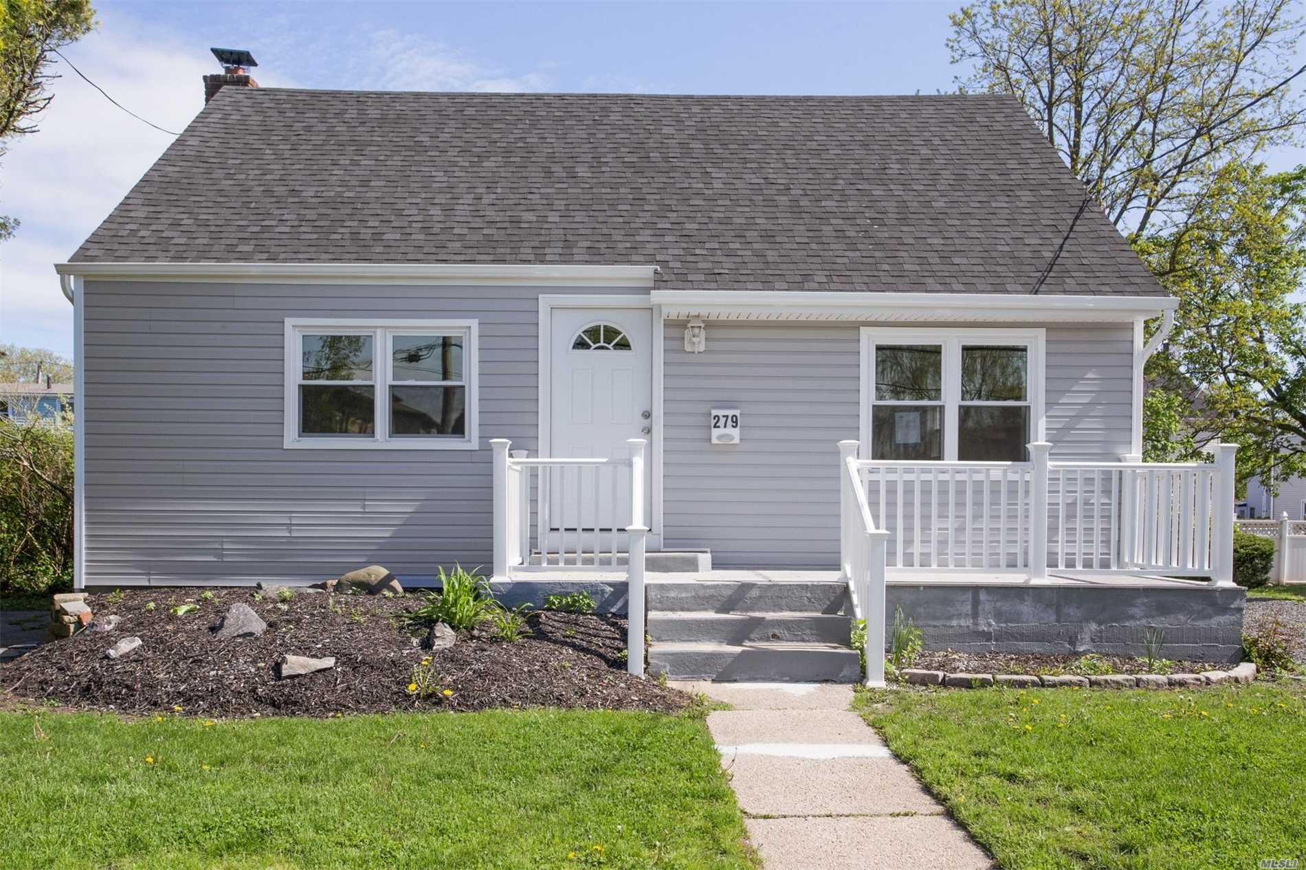 Beautifully Renovated Cape With Flawless Kitchen With SS Appliances, New Bathrooms, Spacious Backyard, CAC, Full Basement...The List Goes On And On! This One Is A No Brainer! If You're Looking For Your Dream Home, Look No Further!