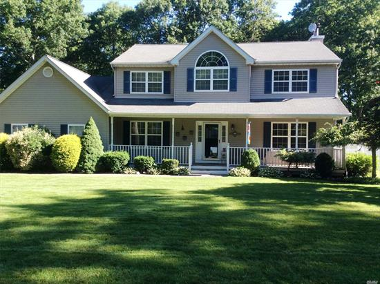 Beautiful 4 Br Colonial on a Cul-de sac. Features Fireplace in den with custom built ins. Updated Kit w/Granite and Stainless-Steel appliances. Hardwood Floors. CAC. Beautiful inground pool. Beautifully Landscaped! Don't miss out on this great home.