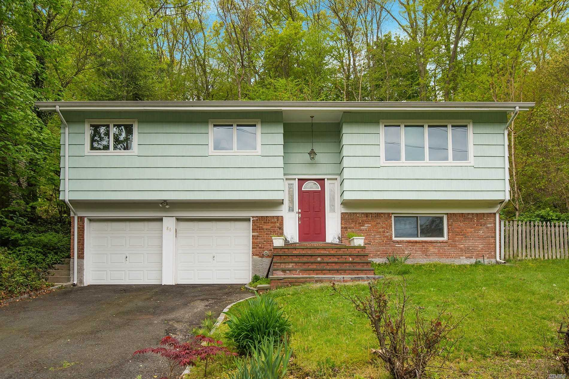 Updated 3 Bedroom, 2.5 Bath, Hi Ranch Boasts Updated Windows & Roof. Sunny EIK w/ Breakfast Nook & Stainless Steel Appliances. Spacious Master Ensuite. Cozy Lower Level Den w/FP, 2 Car Garage.Central A/C. Beautiful Patio For Entertaining. Convenient Location & Oyster Bay-East Norwich School District.