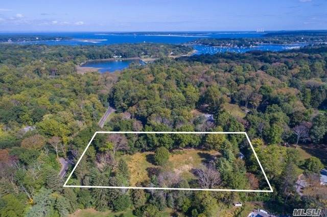 Opportunity Knocks! Build Your Dream Home On 3 Acres In The Highly Sought-After Lloyd Harbor Location. Only 2 Miles To Lloyd Harbor Village Beach With Summer Camp, Tennis Courts, And Mooring Rights (Fee). 2.5 Miles To Huntington Village And Cold Spring Harbor Village. 5.5 Miles To Train Station. Cold Spring Harbor School District - Goosehill Primary And Lloyd Harbor Elementary.