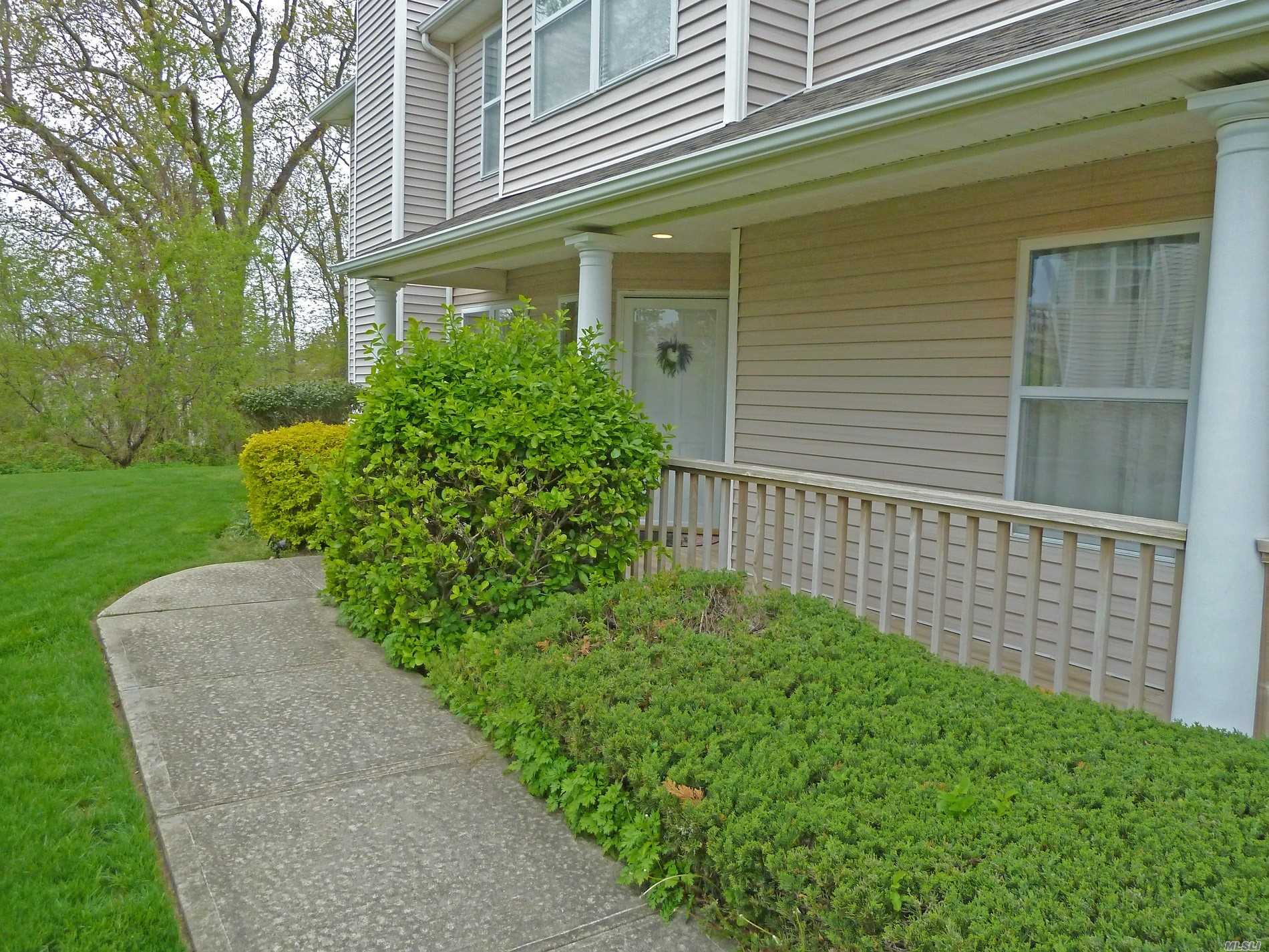 Lovely Ground Floor One Bedroom Corner Unit In The Gated Willow Ponds Community. Private Side Entrance With Porch. Bright Home With An Open Floorplan. Heated With Natural Gas. It Has Central Air, A Warm Fireplace, Tiled Baths And Generous Recessed Ceiling Lighting Throughout. The Floors Are An Oak Style Laminate And Out Back You'll Find A Private Deck Overlooking Lawn And Woods. Willow Ponds Has It's Own Long Island Sound Beach Access, Tennis, A Clubhouse And An Inground Pool. Come See It Soon!