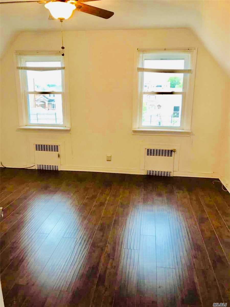 Nice 2 Bedroom Apartment in the Heart of Whitestone. Heating is included. Close to All. Excellent School (Ps 79, Jhs 194, Cardozo High School), Must See.