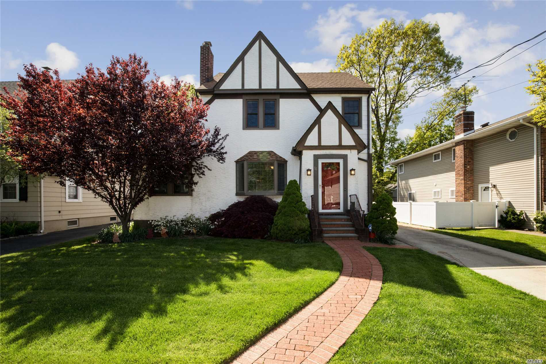 Amazing Colonial In The Inc. Village Of Rockville Centre. Formal LR w/FPL, Formal DR, Office, Granite EIK,  4 Bdrms, 2 Full Baths, Walk Up Attic. Fin. Basement W/Egress, Covered Porch, Garage. Updated Windows, 200 Amp Electric, IGS, New CAC & Heating System. Close To Village & Public Transportation. Move Right In !Elementary #5, Oceanside Middle School & HS.