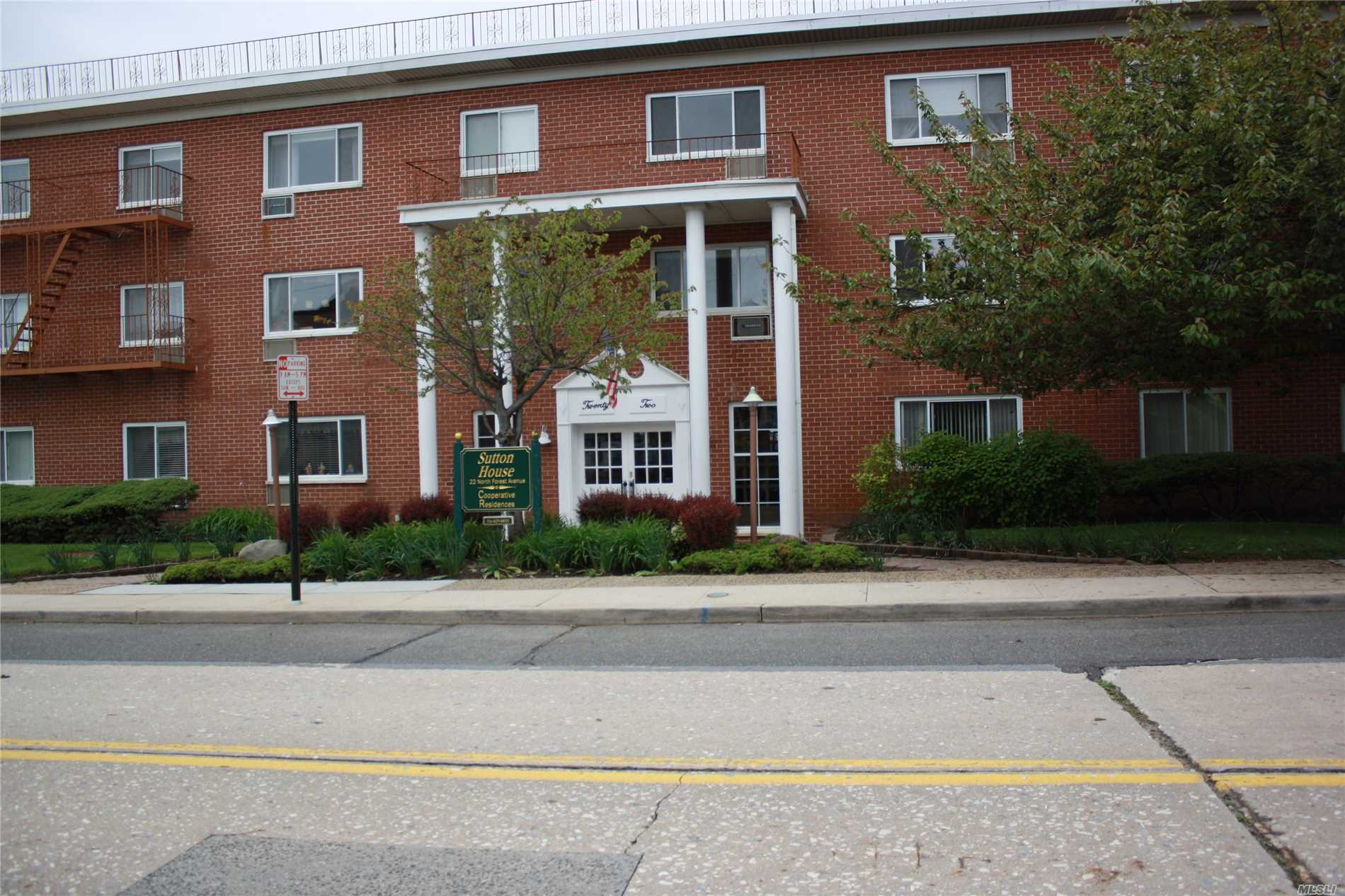 Newly Renovated Kitchen w/Granite Countertops & New Appliances, New Bath, New Carpet, Plenty of Closets, Washer and Dryer on each Floor, Common Storage area, Elevator Building, 1 Car Parking Included. Tenant pays Electric and Cable