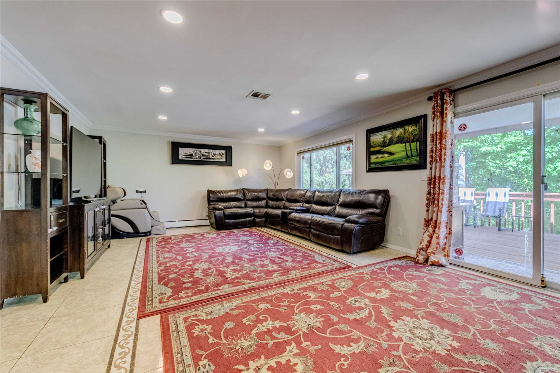 Renovated Spacious Bright Home, Fit For A Large Family Or Possible Mother-Daughter, 3 Granite Bathrooms, Granite Eat-In-Kitchen, Huge Deck Off Very Large Family Room Overlooking Country Scenery! Block Away From Thomaston Park, Walk To Railroad. Option Of South Or North Great Neck Middle & High School. Whole House Water Filter System.