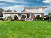 Desirable Harbour Green Estates Colonial Offers Every Ingredient For The Ideal Home.Open Floor Plan Perfect for Entertaining, Living Rm Leads to FD Room & Family Rm w/Fpl, Oversized EIK W/SS Appliances & Ldry/Pdr Rm. Master En-Suite.3 Well-Appointed Bedrooms & Bth. Gleaming Hardwood Floors.Generator, Pvt Patio & Manicured Yard. Harbour Green Shore Club/Marina w/Dues. Flood Zone X. Taxes have been successfully grieved resulting in a substantial reduction. Letter available.Turn Key-Bring Toothbrush