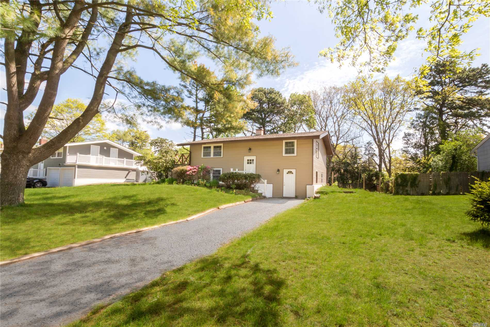 Newly Renovated Turn key Home !! ,  Come see this Wideline Hi Ranch in the Village of Islandia. This Home Features 5/6 bedrooms,  New Kitchen & Baths New Heating, New Windows, New Siding/Roof, Big Yard & More. Plenty of Room, Ready for unpacking. Get in quickly to see today .