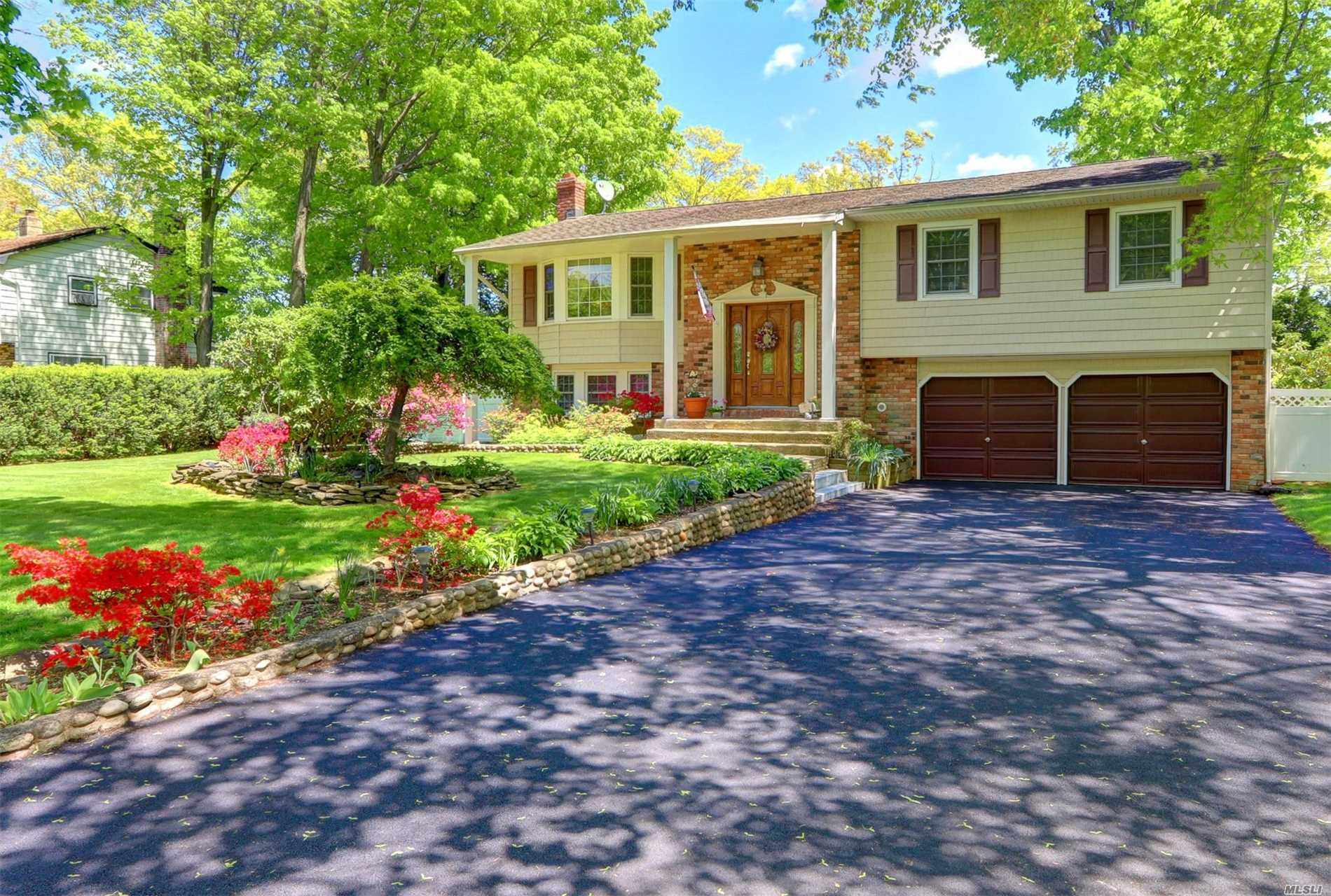 Desirable Commack Bird Section w/low Hauppauge Taxes 9988.14 w/Basic Star; High Ranch with LR, DR, EIK, Master BR w/Master Bath, 3 Add'l BRS, 1.5 Add'l Bath, Family Rm; I/G Pool, .35 Acre, Gas Heat; Hardwood Floors; Very Well Maintained Home. New Double Driveway. Close to All Shops/ Restaurant/Beaches/Parks & Parkways- Commuters Dream!, Pines Elementary School