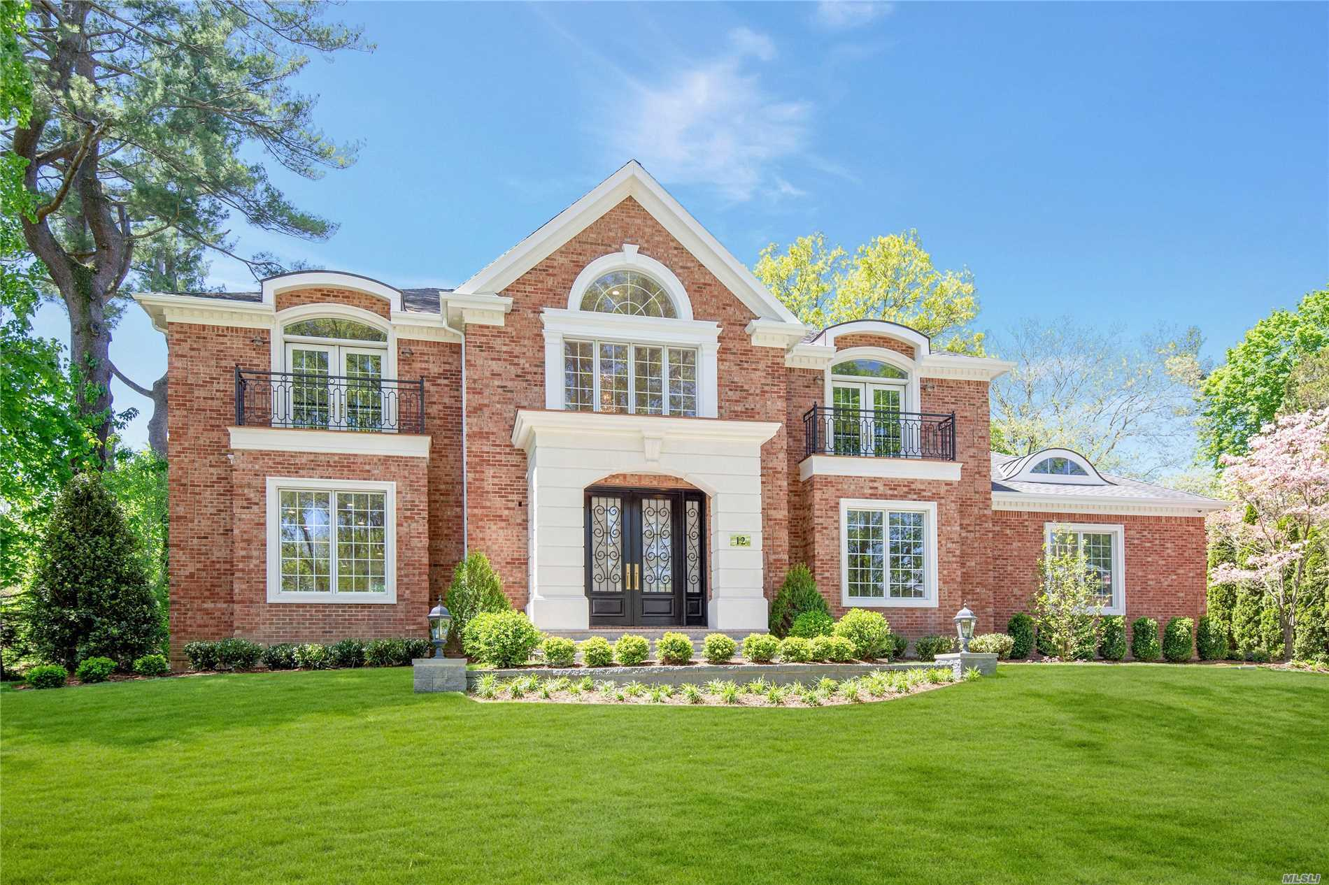 Welcome to this Gold Coast Grandeur! New to the market in the heart of Country Club. Built by Matisse Development Group. Palatial, elegant, extraordinary 5, 700 sqft. brick Colonial, 5 Br, 6.5 Baths, state-of-the-art gourmet kitchen with top-of-the-line appliances, radiant heat throughout foyer, powder Room & kitchen, open floor plan, quality craftsmanship throughout, set on exquisitely landscaped property. Renowned Wheatley/East Williston School District.
