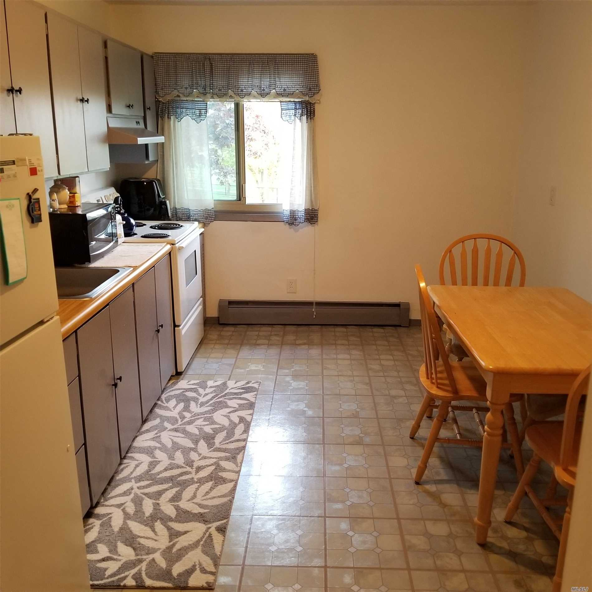 Bright, Clean 2nd Floor Unit. Large Eat In Kitchen, Living Room, Queen Bedroom. Southern Exposure, Pool, Gym Clubhouse. Pet Friendly! Why Rent When You Can Own For So Much Less!