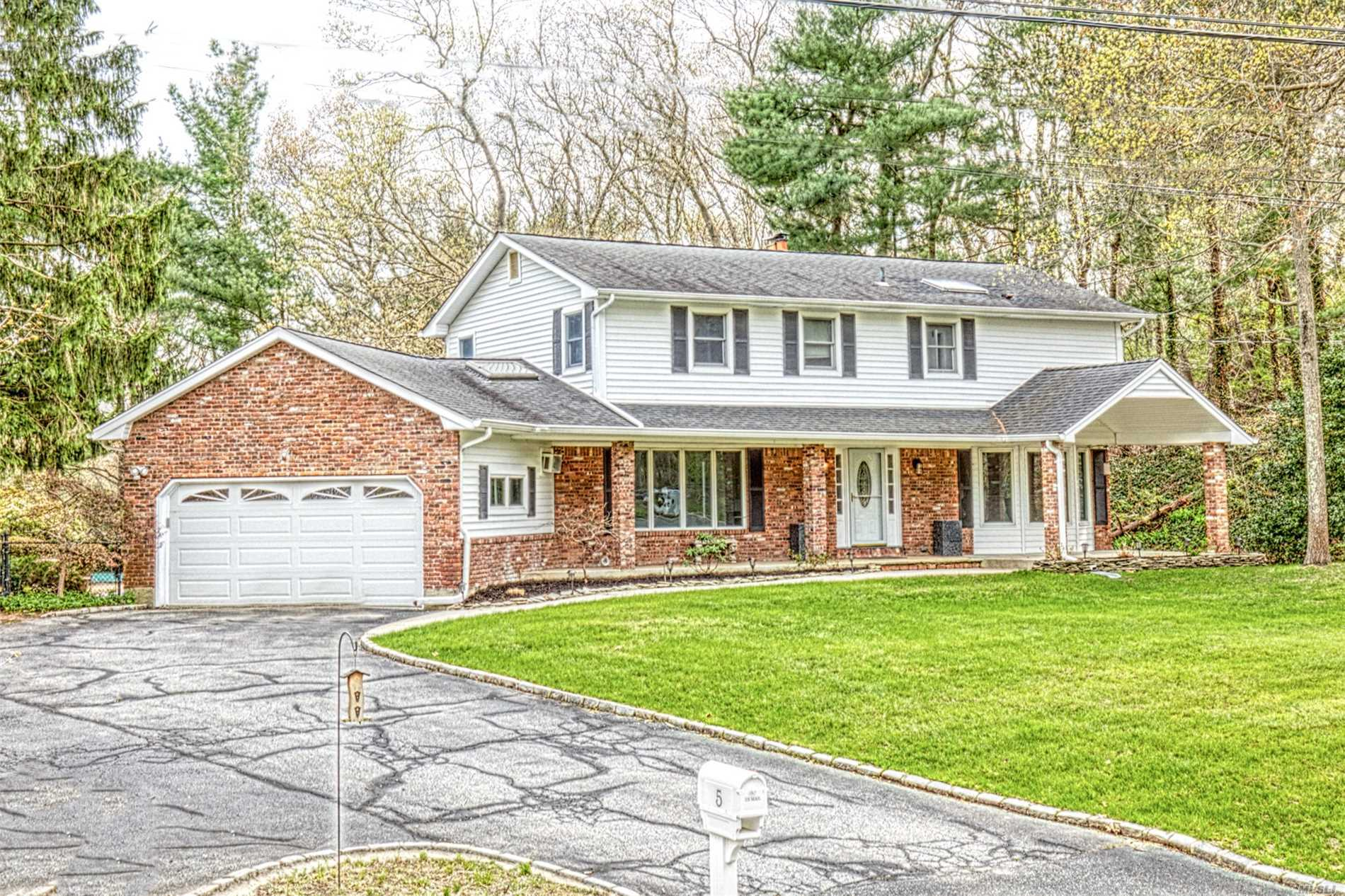 This beautiful Colonial is located in the heart of Dix Hills in the renowned Half Hollows SD. It features a large open & private backyard that can be viewed from many of the tremendous Anderson windows throughout the home which let in plenty of natural lighting. This is a must see & will not last. Seller is very motivated