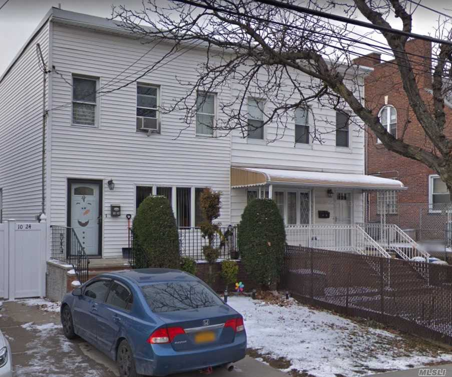 Whitestone 3 Bedrooms semi-detached colonial house. Large kitchen, formal diningroom, finished basement with office on a laundry room. Private driveway, bus to Flushing. Express bus to Mamhattan.