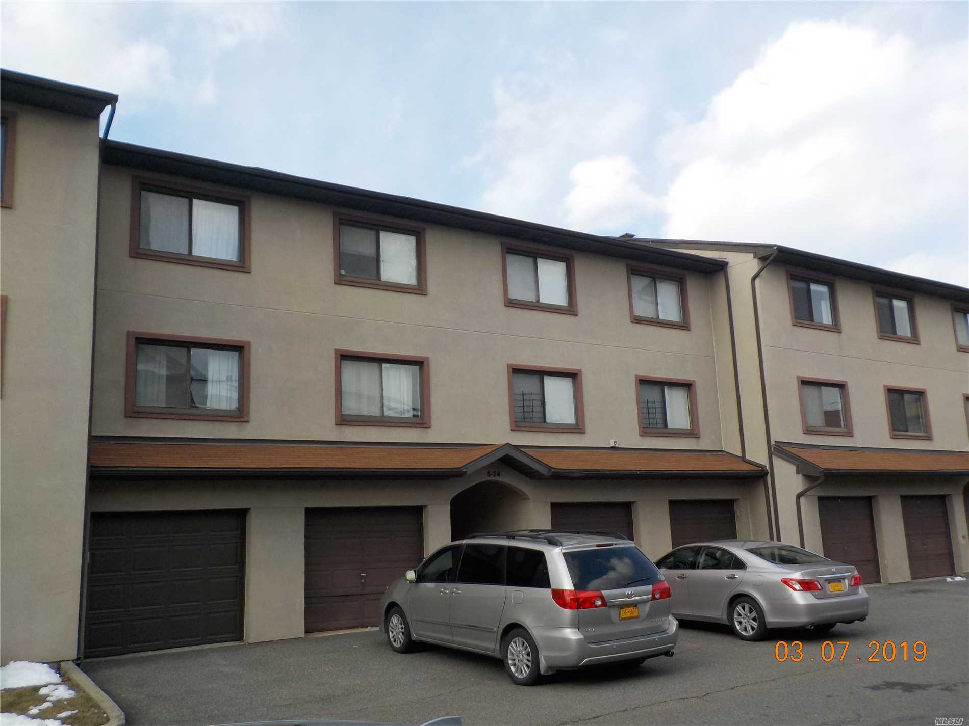 2 bedroom, 2 bath condo located in Bay Park Estates with a water view. Property is being sold in As-Is condition. No representations or warranties. Buyer is responsible for any liens or violations. Buyer to pay NYC / NYS transfer taxes. Cash or rehab loan only.