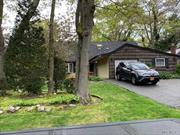 4 Bed 2.5 Bath Family Roomw Wood Burning Fire Place Screen in Porch IG Sprinklers LR/DR EIK